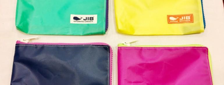 JIBから入荷❣️ちょっと大きめマイクロクラッチです
